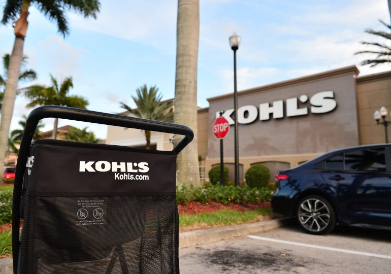 Kohl's sees holiday-quarter revenue down 10%, but says sales strengthened toward end of January