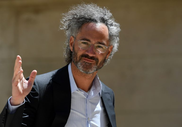 Palantir shares fall after fourth-quarter loss, but revenue beat expectations