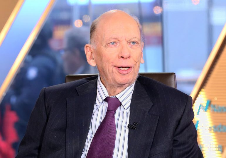 Blackstone's Byron Wien predicts correction before stock market ends year higher than now