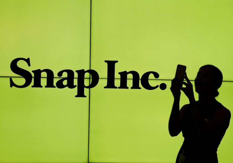 Snap reports accelerating revenue growth, strong user numbers for first quarter