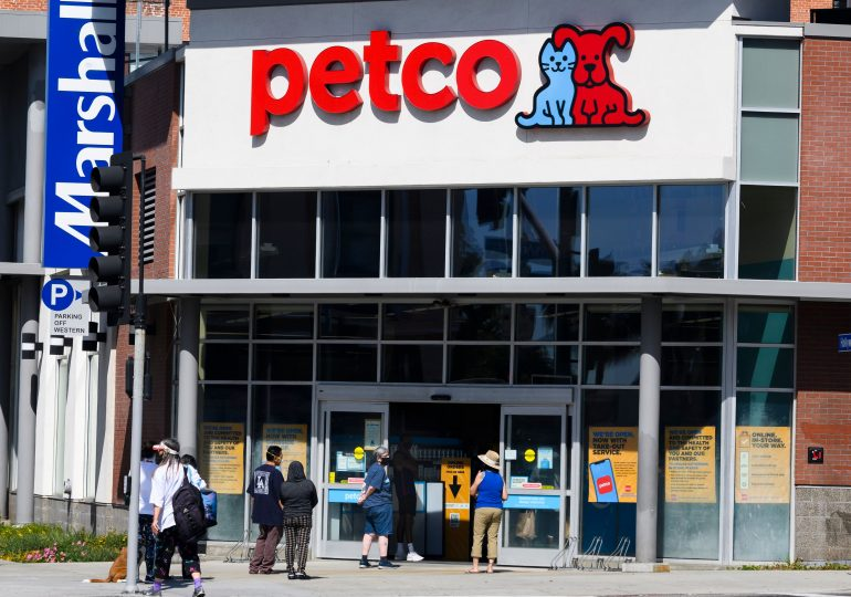 Petco swings to a profit and boosts forecast, citing customer growth, but shares fall
