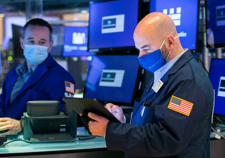 Stock futures are flat after Dow, S&P 500 post losing week