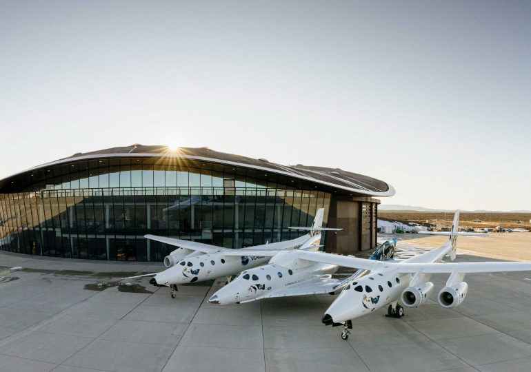 Virgin Galactic erases 20% loss, turns positive in wild session