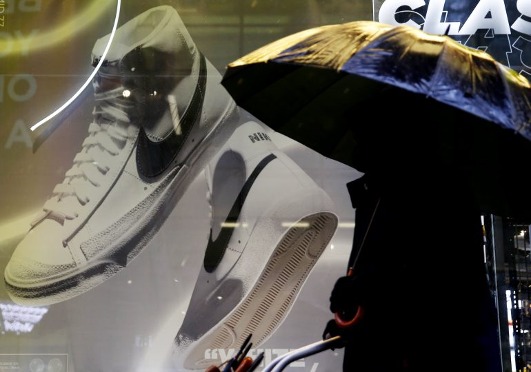 Nike earnings and sales beat estimates as retailer books record revenue in North America