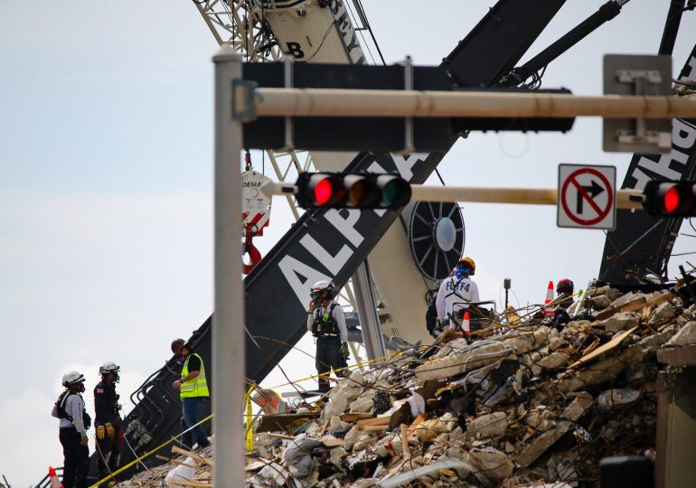 Hurricane winds could make Surfside building structure collapse further, structural engineer warns