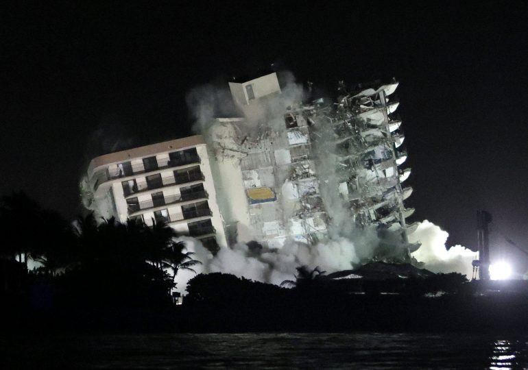 Rest of collapsed Florida condo tower demolished, crews to resume search efforts