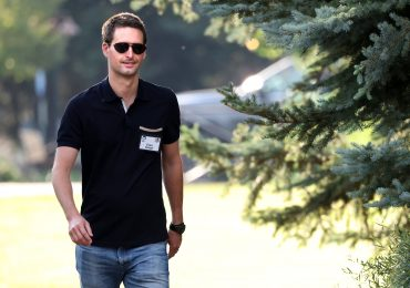 Snap pops more than 16% on earnings beat and user growth