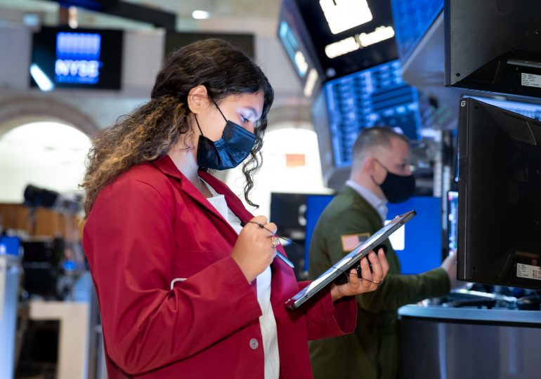 Stock futures open mostly flat ahead of the kickoff of earnings season