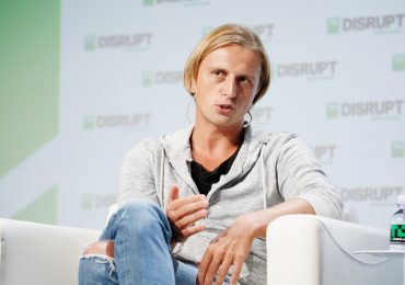 Revolut, the $33 billion fintech player, is rolling out commission-free stock trading in the U.S.